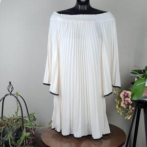 NICOLLE MILLER Dress White Off Shoulder Mini